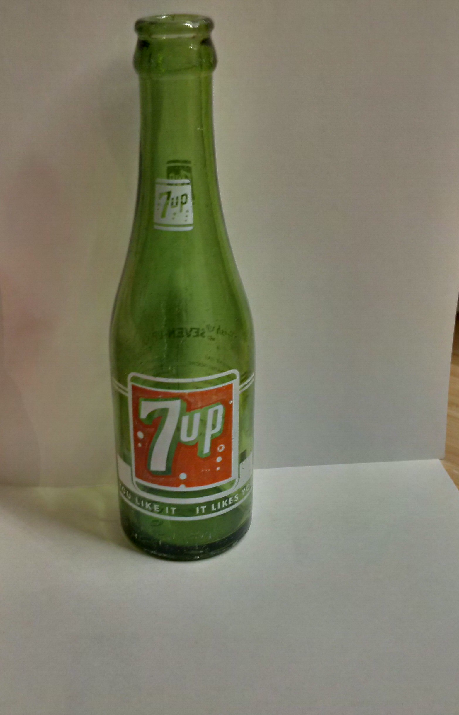 Vintage 7up Bottles And Can Identification Help